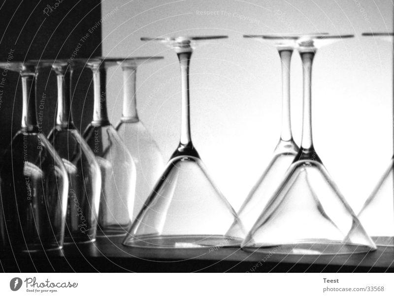 Gläser auf dem Kopf Bar Sektglas Glas Alkohol Bargläser