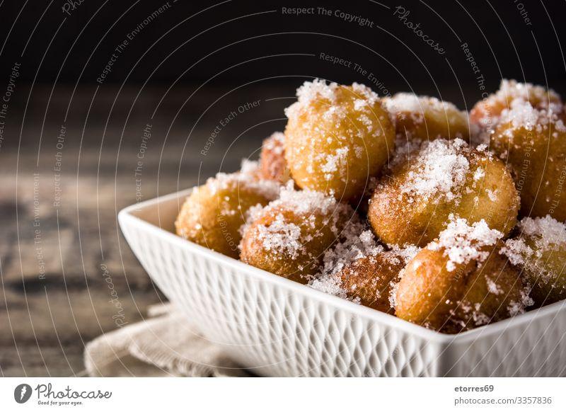 Karnevalskuchen oder buñuelos de viento für die heilige Woche Kunstgewerbler Ball Frühstück Brötchen Jahrmarkt Weihnachten & Advent Essen zubereiten Dessert