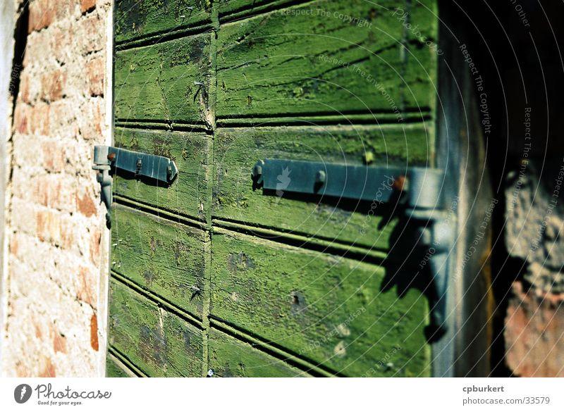Scheunentor Holz Scharnier Architektur Stein Detailaufnahme Tür Tor