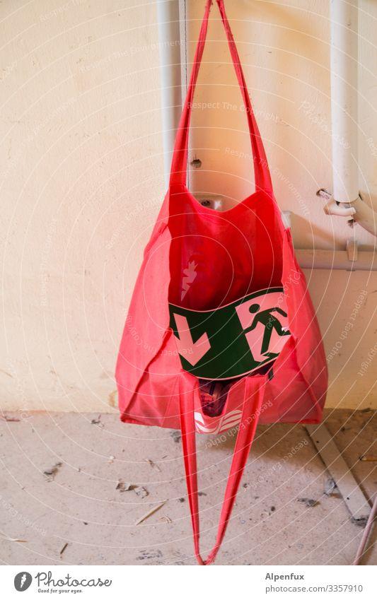 Neue Vorschrift für Frauenhandtaschen ! Schilder & Markierungen Hinweisschild Warnschild rennen Angst Todesangst gefährlich Stress Güterverkehr & Logistik