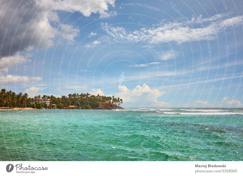 Tropische Insel, Sommerferienkonzept. exotisch Erholung Ferien & Urlaub & Reisen Tourismus Freiheit Sommerurlaub Meer Natur Landschaft Himmel Wolken Horizont