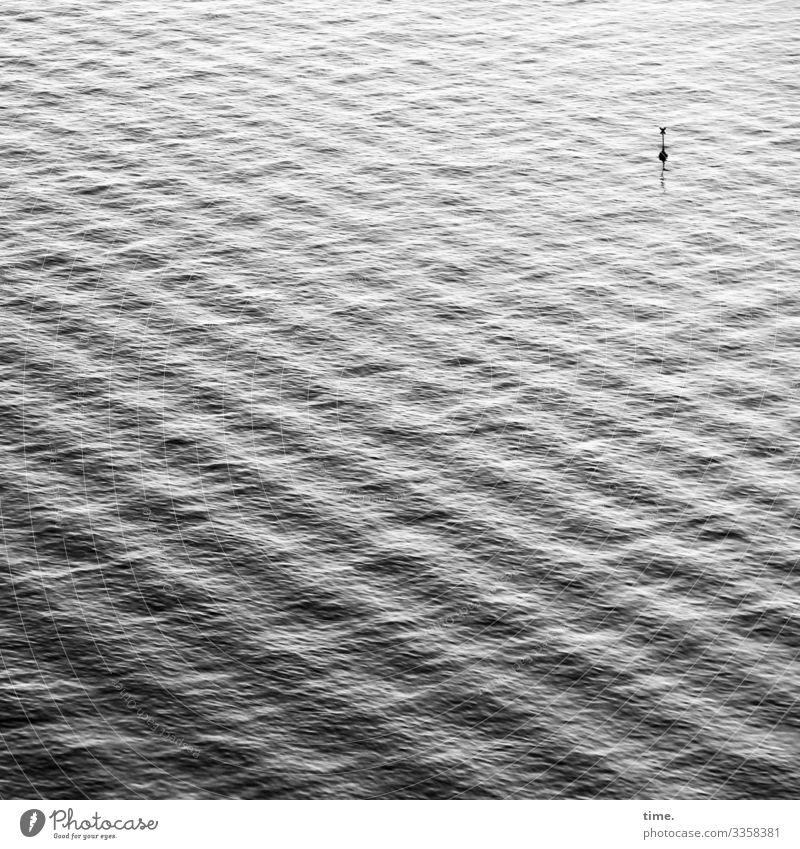 rauschende Stille #3 Umwelt Natur Wasser Wellen Küste Meer Mittelmeer Wasseroberfläche Schifffahrt Boje maritim Kraft Macht geduldig ruhig beweglich Ausdauer