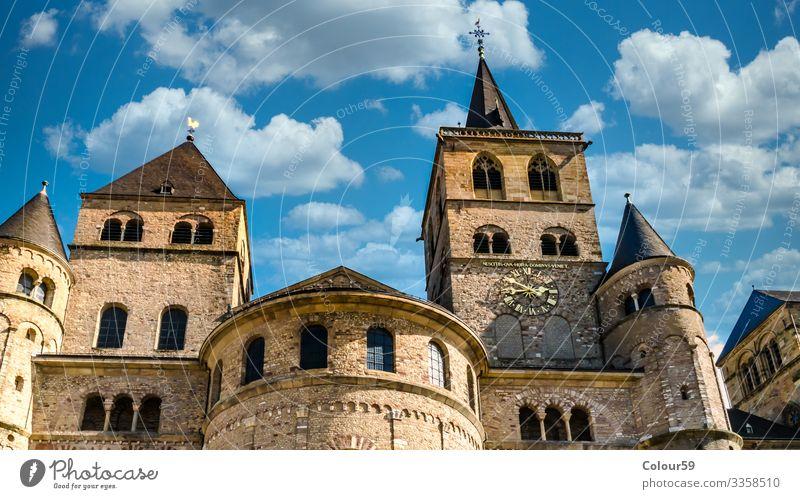 Kathedrale von Trier St. Peter Sightseeing Fassade Tower (Luftfahrt) Religion & Glaube Großstadt Deutschland Europa Symbole & Metaphern Roman Dom zu Trier