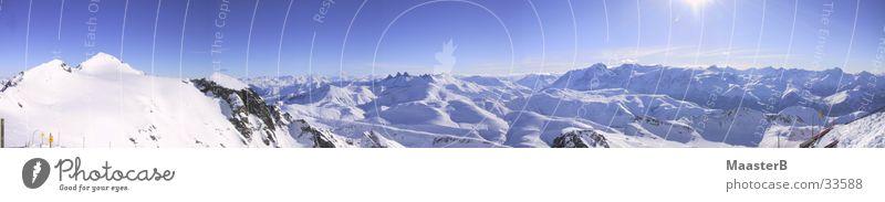 Bergpanorama im Schnee Natur Himmel Berge u. Gebirge Landschaft groß Horizont Alpen Gipfel Schönes Wetter Panorama (Bildformat) Schneebedeckte Gipfel