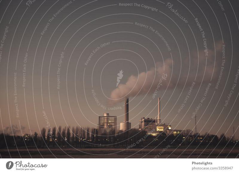 Kraftwerk Energiewirtschaft Industrie Heizkraftwerk Erdgas Brennstoff Schornstein Rauch Abgas Block Fernwärme Rhein Kohlenstoff Kohlendioxid Umwelt Klima