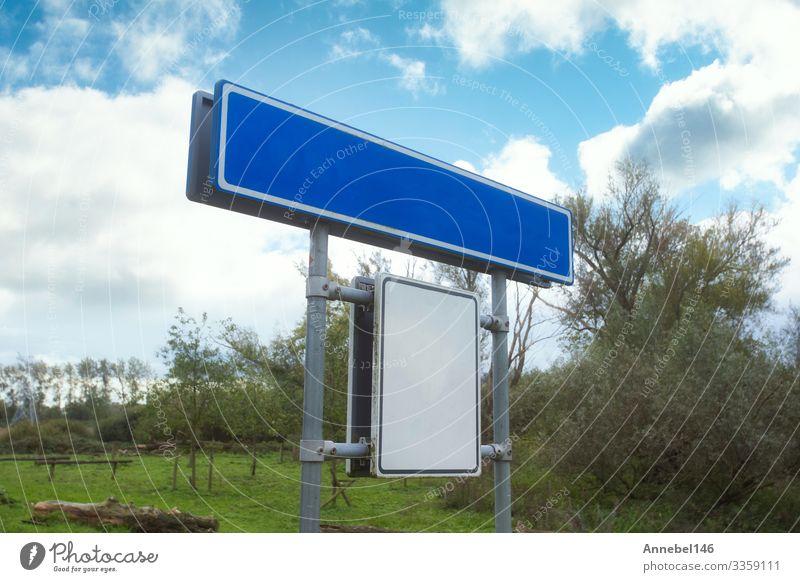 Blaues, leeres Straßenschild, isoliert, Teller Ferien & Urlaub & Reisen Himmel Wolken Platz Verkehr Autobahn Metall Hinweisschild Warnschild blau weiß Zeichen