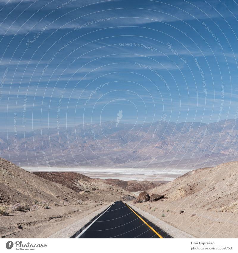 Tal des Todes Ferien & Urlaub & Reisen Tourismus Ausflug Abenteuer Ferne Freiheit Landschaft Wärme Dürre Schlucht Wüste Death Valley National Park Straße fahren