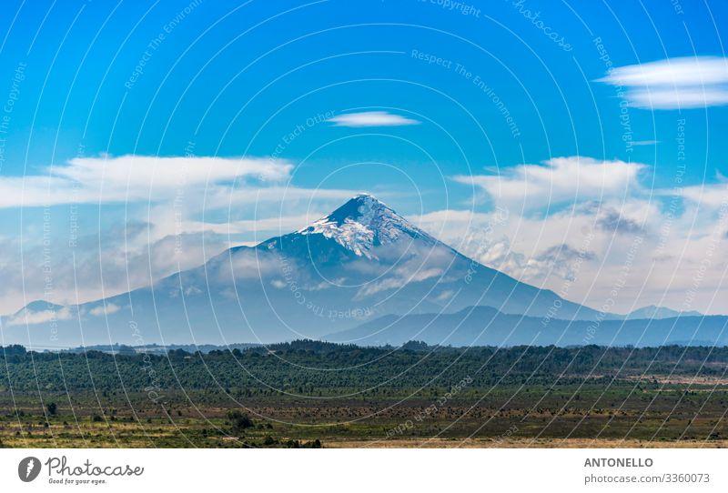 Der perfekte Kegel des Vulkans Osorno im Süden Chiles Ferien & Urlaub & Reisen Tourismus Abenteuer Sommer Berge u. Gebirge Umwelt Natur Landschaft Erde Himmel