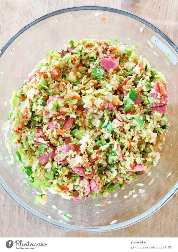 gesund und bunt | gesundheit Rohkost Gemüse Salat Ernährung lecker Rosenkohl Glasschüssel oben Vogelperspektive Schüssel Essen frisch Lebensmittel Nahaufnahme
