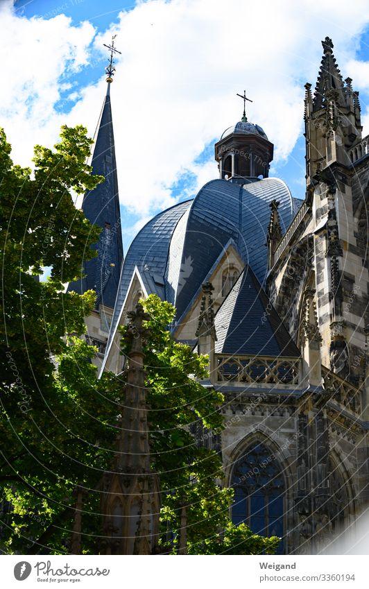 Aachen Haus Kirche Dom fest Ordnung katholisch Religion & Glaube Christentum Farbfoto Außenaufnahme