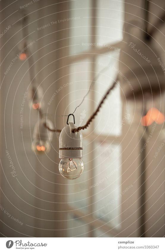 Antike Lichterkette mit Porzellanfassungen Freude Lifestyle Innenarchitektur Feste & Feiern Stil Party Lampe Häusliches Leben Design Wohnung