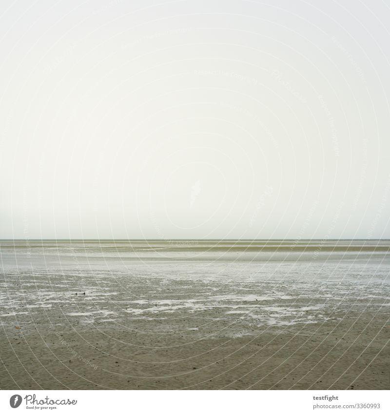 meditation strand regen bewölkt nordsee norden watt Wattenmeer feucht wasser grau ebbe zurückziehen gezeiten natur wetter klima klimawandel himmel