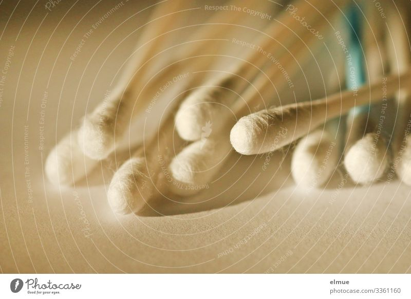 Hörtest schön Körperpflege Gesicht Kunststoff Wattestäbchen dünn klein lang trocken Reinlichkeit Sauberkeit Reinheit Gesundheit Gesundheitswesen Problemlösung