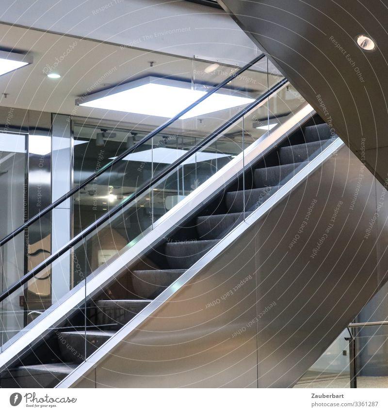 Stillstand Stadt weiß Einsamkeit kalt Business grau Metall Glas kaufen eckig Handel Langeweile silber stagnierend Einkaufszentrum Rolltreppe