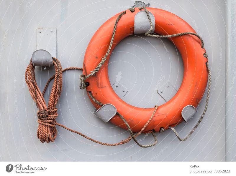 Rettungsboje auf einem historischen Schiff Stil Design Freizeit & Hobby Ferien & Urlaub & Reisen Tourismus Sightseeing Städtereise Kreuzfahrt Schwimmen & Baden