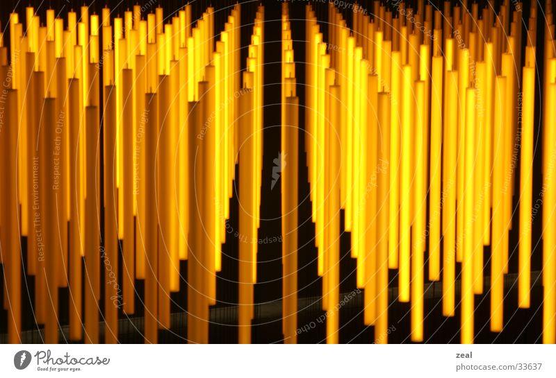 orange_art Lampe Werbung Flughafen obskur Stab Zürich