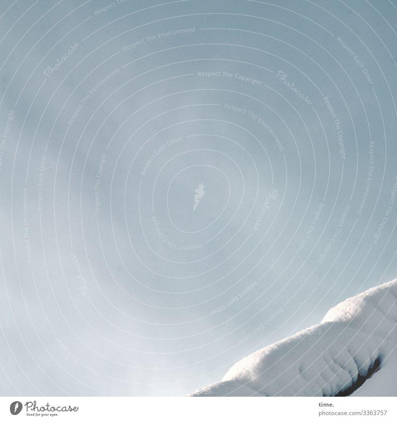Morgenüberraschung | Eiszeit Himmel Wolken Winter Schnee Dach einfach hell Gefühle Stimmung Zufriedenheit Lebensfreude Schutz Gelassenheit ruhig Ausdauer