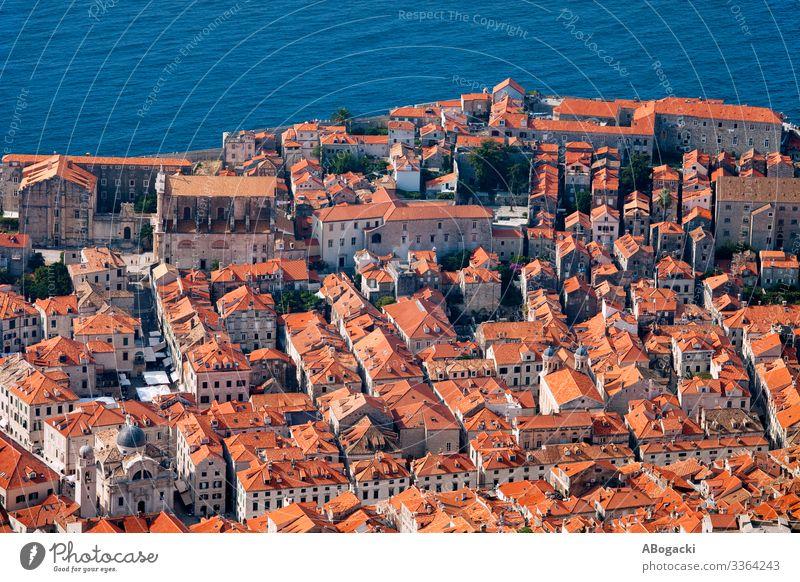 Dubrovnik Altstadt Luftaufnahme Ferien & Urlaub & Reisen Meer Haus Kultur Stadt Gebäude Architektur historisch oben rot Kroatien Großstadt Wahrzeichen berühmt