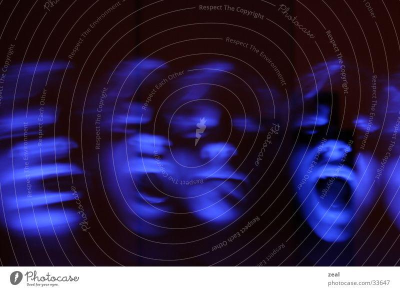 ::.. me myself and i ..:: Langzeitbelichtung schreien Mann Gesicht häufig mehrfachbelichtung blau Geister u. Gespenster ghost face scream