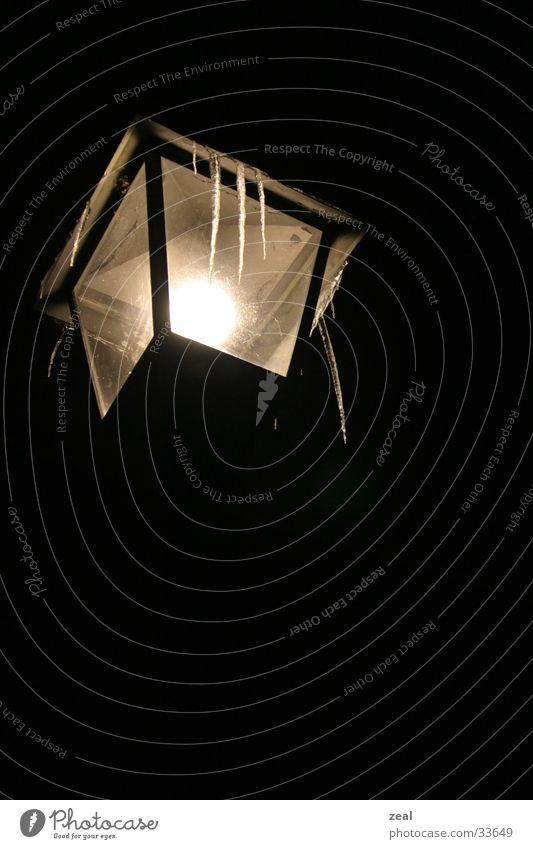 ::.. frozen light ..:: Laterne Nacht Eiszapfen Licht gefroren Dinge Schnee