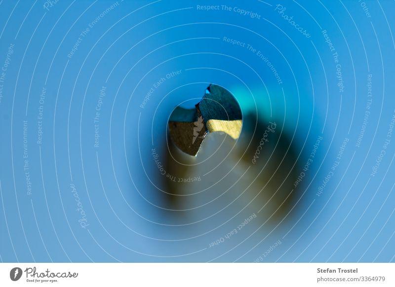 Macro image of a peeling drill Werkzeug Bohrmaschine Technik & Technologie PKW ästhetisch außergewöhnlich blau gold automated iron bit Schlag tooling accessory