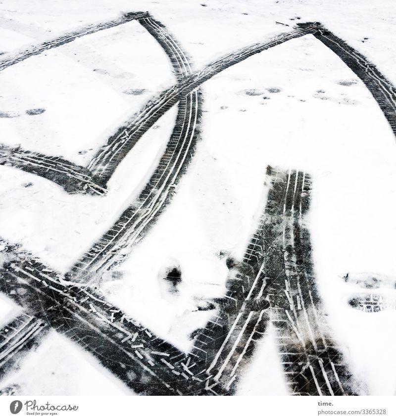 Wintersport | Eiszeit Umwelt Schnee Verkehr Verkehrswege Autofahren Parkplatz Reifenspuren Eindruck Abdruck Asphalt Tauwetter sportlich hell kalt Stadt verrückt