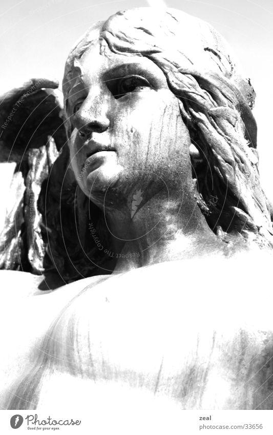 ::.. ersteinert ..:: Frau alt Gesicht Statue Handwerk
