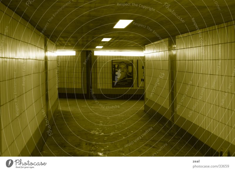 ::.. underground no.1 ..:: gelb Wege & Pfade Architektur Tunnel Bahnhof Fußgänger Durchgang Unterführung