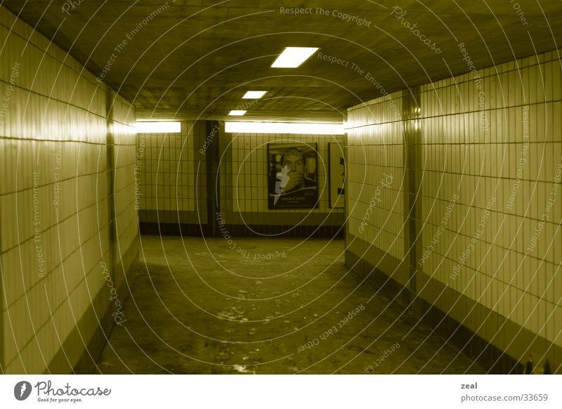 ::.. underground no.1 ..:: Tunnel Fußgänger Durchgang gelb Architektur Unterführung Bahnhof Wege & Pfade u.bahn