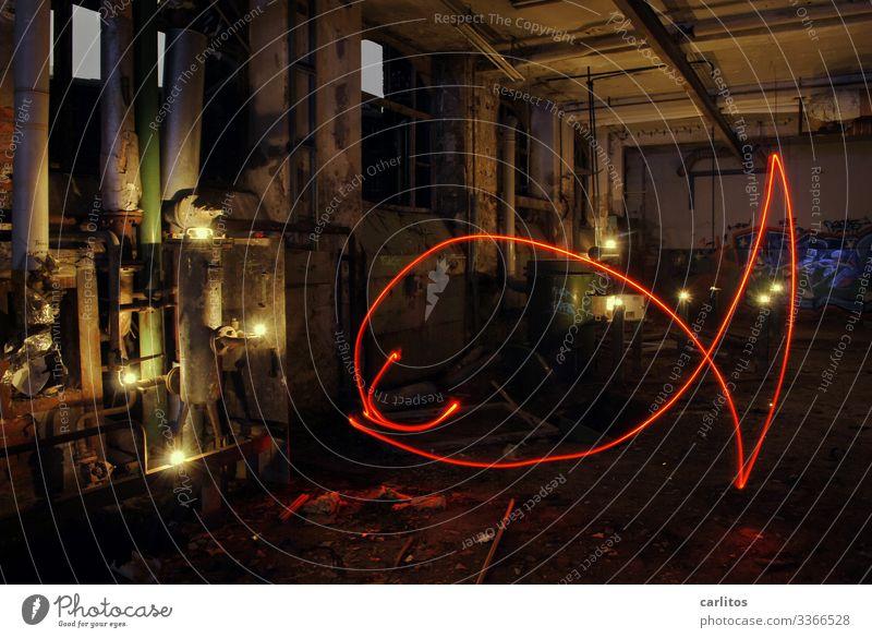 Altes aus dem Keller II Industrie Industriefotografie Verfall Conti Hannover Demontage Lichtmalerei rot Taschenlampe Abenteuer lost places Strichmännchen Fisch