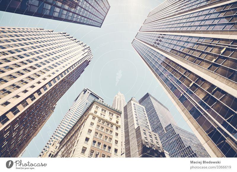 Der Blick auf die Wolkenkratzer von Manhattan gegen die Sonne. Lifestyle kaufen Reichtum elegant Stil Design Sightseeing Sommer Häusliches Leben Wohnung