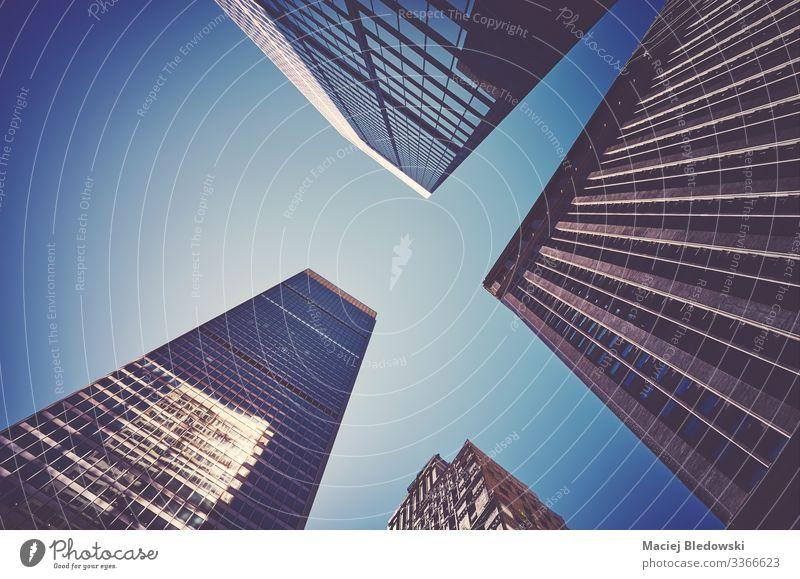 Der Blick auf die Wolkenkratzer von Manhattan. Städtereise Häusliches Leben Wohnung Büro Business Himmel Hochhaus Gebäude Architektur Fassade modern
