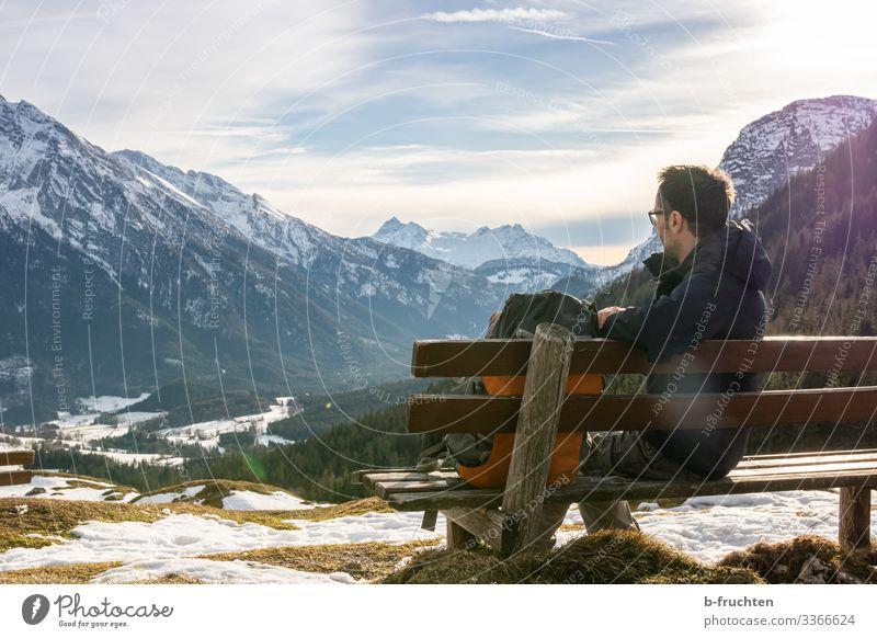 Blick auf die Bergwelt Leben harmonisch ruhig Freizeit & Hobby Ausflug Freiheit Winter Schnee Berge u. Gebirge wandern Fitness Sport-Training Mann Erwachsene 1