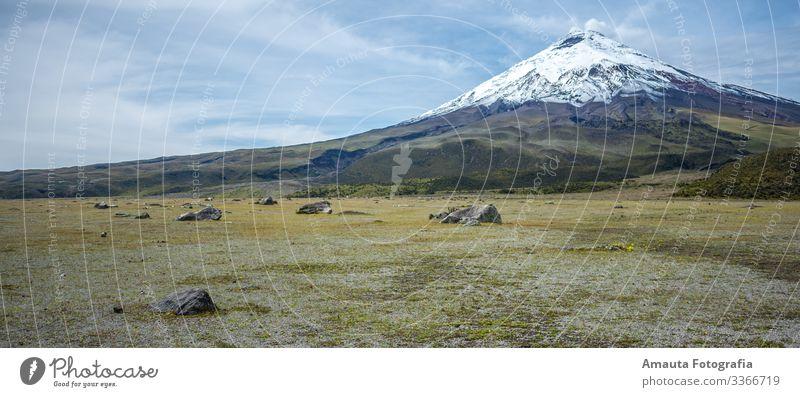 Vulkan Cotopaxi Ferien & Urlaub & Reisen Tourismus Ausflug Abenteuer Ferne Freiheit Sightseeing Expedition Camping Fahrradtour Sommer Sonne Winter Schnee