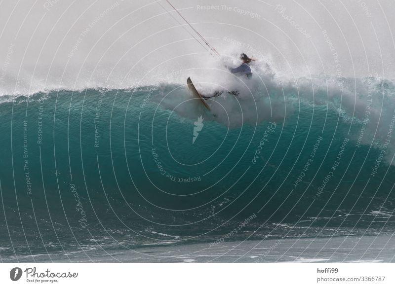 Wellenbrecher Kiter Wassersport Kiting Surfer Surfen Mensch 1 18-30 Jahre Jugendliche Erwachsene Urelemente Himmel Schönes Wetter Meer Atlantik Surfbrett