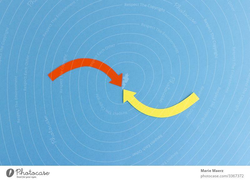 Zusammenspiel| Zwei Pfeile zeigen aufeinander Grafik u. Illustration Bewegung Konzepte & Themen Kreis Detailaufnahme Zueinander Wirkung Business zwei Infografik