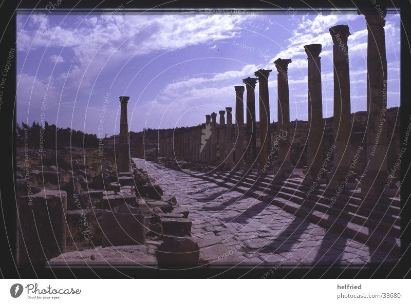 jerash kolonnadenstrasse Architektur Vergangenheit historisch Arabien Naher und Mittlerer Osten Jordanien Archäologie Jerash
