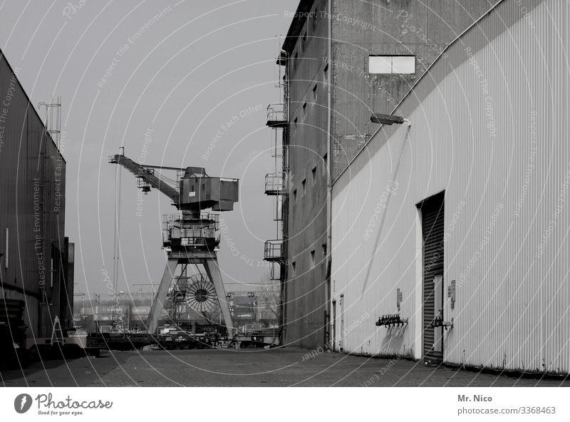 Hafengelände Industrie industriehafen hafengegend Gewerbegebiet hafengelände transport Produktion Güterverkehr & Logistik Kran Handel Lagerhalle Lagerhaus