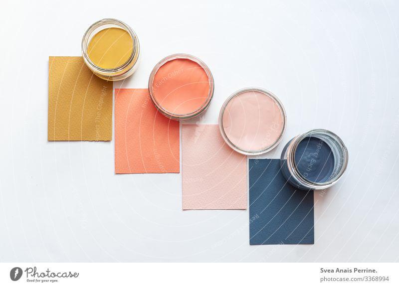 bunte Farben Design Farbeimer Farbkarte zeichnen trendy modern blau gelb gold rosa ästhetisch farbdesign farbberatung Farbfoto mehrfarbig Innenaufnahme