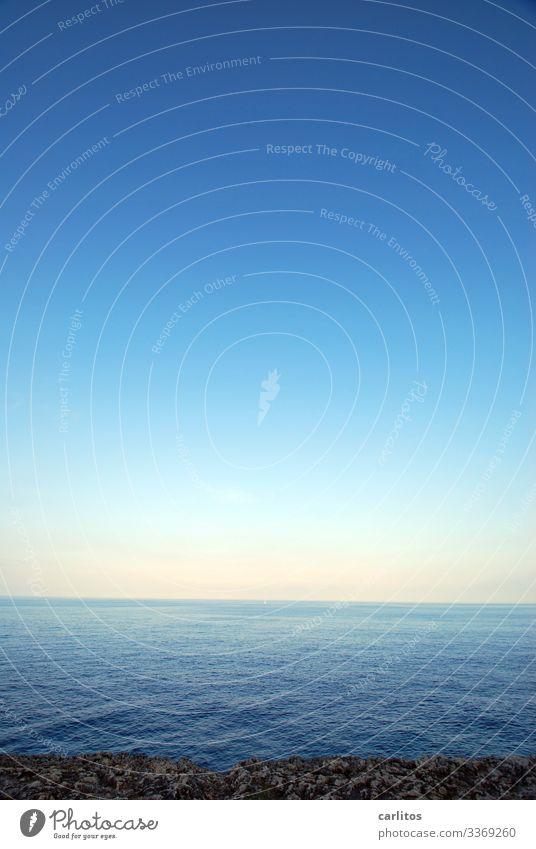 Mehr Meer geht nicht Spanien Balearen Mallorca Küste Mittelmeer Horizont Ferne blau Himmel Wasser ruhig Erholung Farbverlauf Ferien & Urlaub & Reisen Tourismus