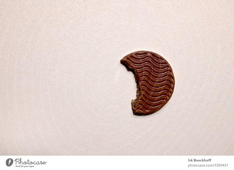 Verführerischer Bissen weiß Lebensmittel Essen Glück braun genießen lecker Süßwaren Diät Konflikt & Streit Schokolade Erwartung Schwäche