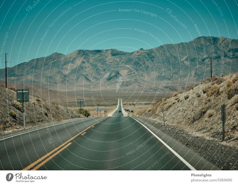 Landstraße durchs Death Valley Ferien & Urlaub & Reisen Tourismus Ausflug Ferne Sommer Umwelt Natur Landschaft Tier Erde Sand Himmel Wolkenloser Himmel Dürre