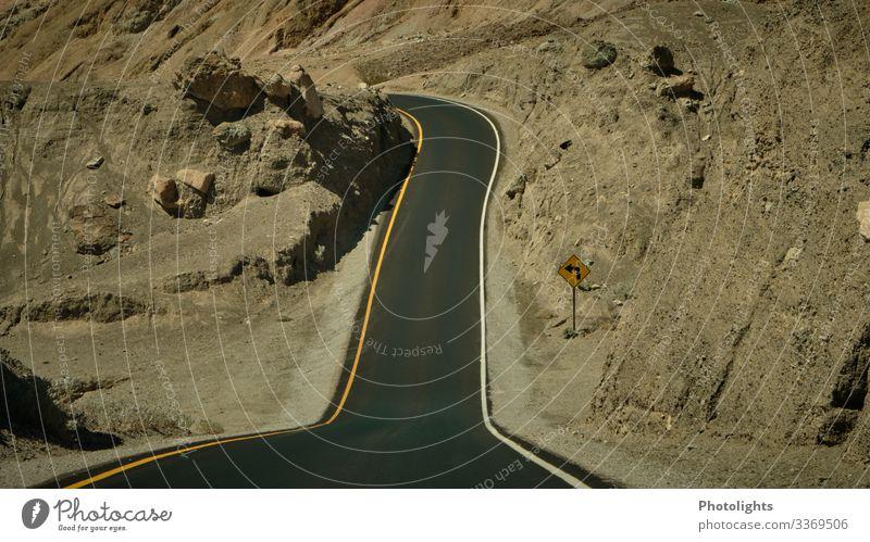 Straßensenke - Death Valley - USA Ferien & Urlaub & Reisen Abenteuer Sommer Rundreise Umwelt Natur Landschaft Erde Sand Klima Wärme Dürre Hügel Felsen Wüste