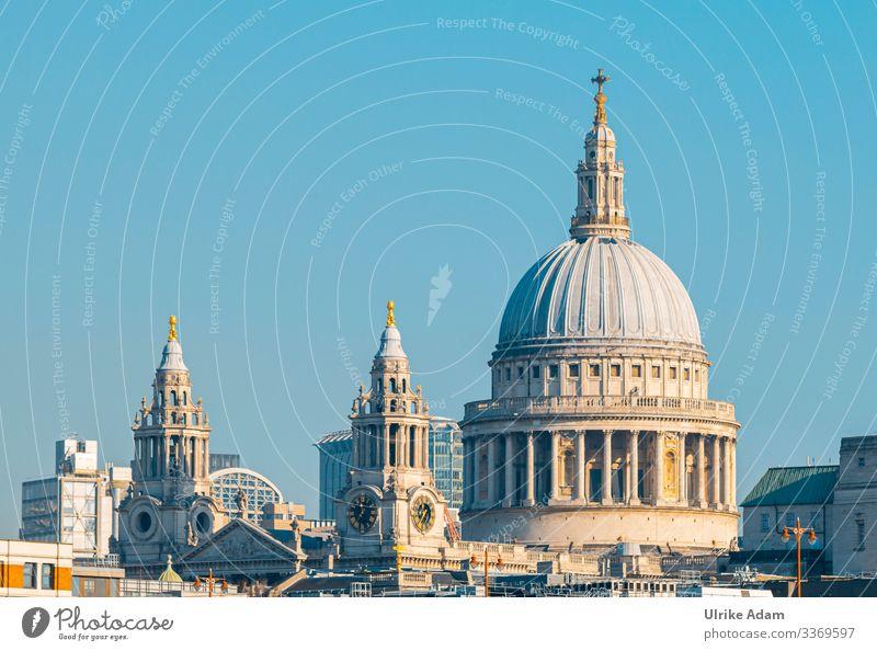 Blick auf die Türme der St.-Pauls-Kathedrale (St Paul's Cathedral) in London Bischofskirche Kirche Europa Großbritannien England City of London