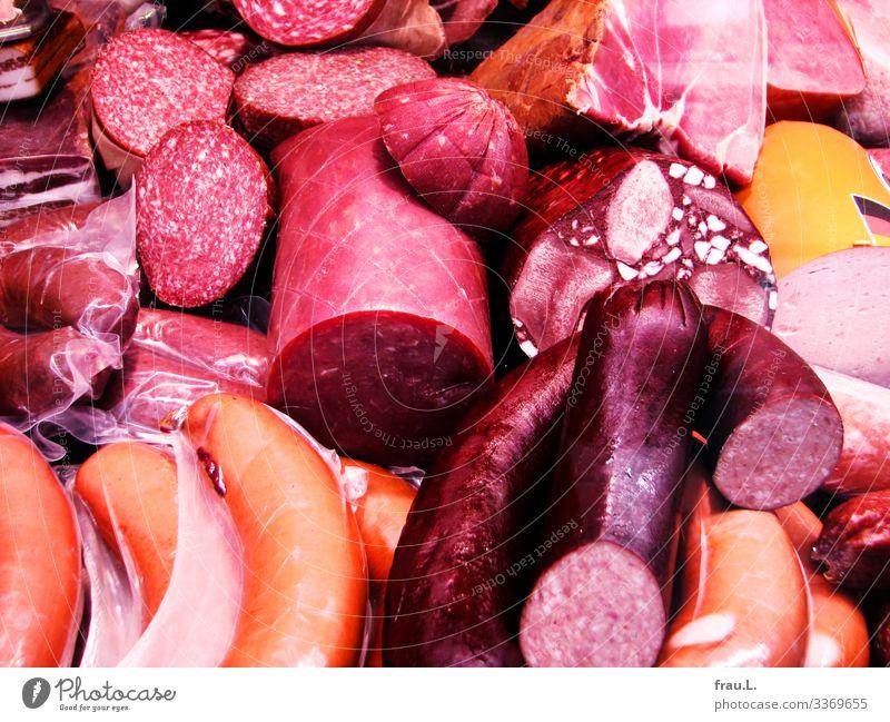 Wurst Lebensmittel Fleisch Wurstwaren Ernährung rot Metzgerei Würstchen Schinken überschüssig Markt Farbfoto Außenaufnahme Tag