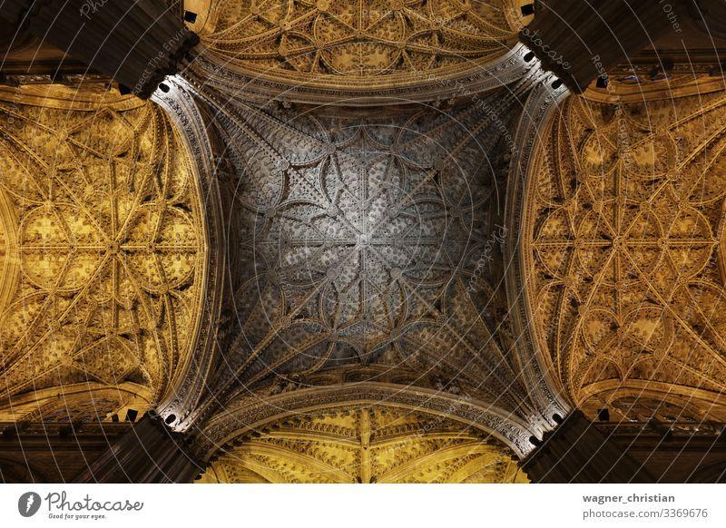 Catedral de Sevilla Ferien & Urlaub & Reisen Tourismus Sightseeing Kirche Dom Bauwerk Gebäude Architektur Sehenswürdigkeit Wahrzeichen Glaube Religion & Glaube