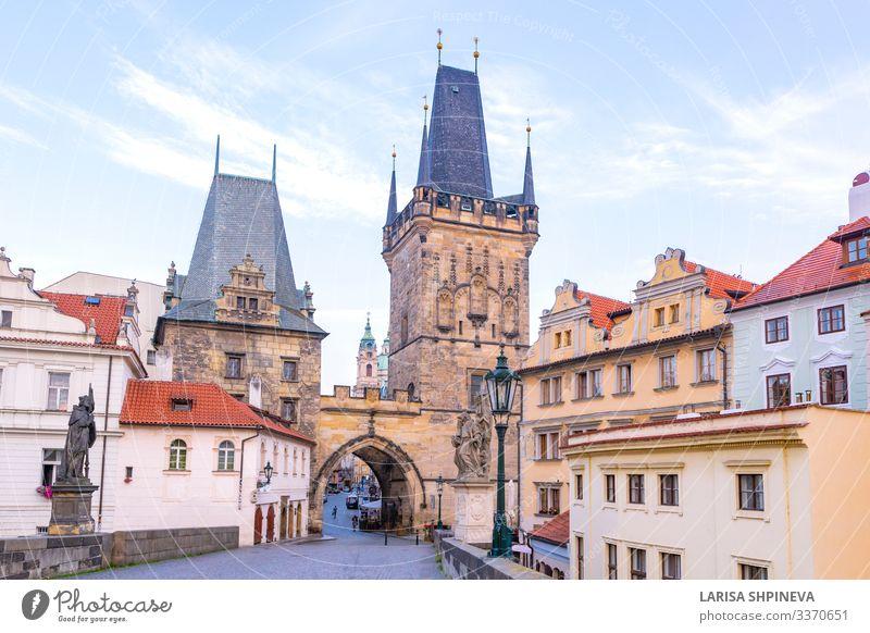 Karlsbrücke, alte Türme und Statuen bei Sonnenaufgang, Prag Stil Ferien & Urlaub & Reisen Tourismus Kultur Landschaft Stadt Kirche Burg oder Schloss Platz