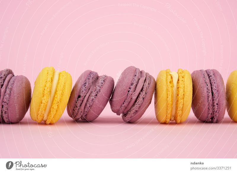 Farbe gelb rosa lecker Backwaren Süßwaren Kuchen Tradition Dessert Frankreich Gastronomie Essen zubereiten Zucker Snack Anhäufung Plätzchen