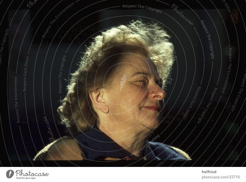 mutter Frau Porträt Mensch Kopf Sonne Beleuchtung