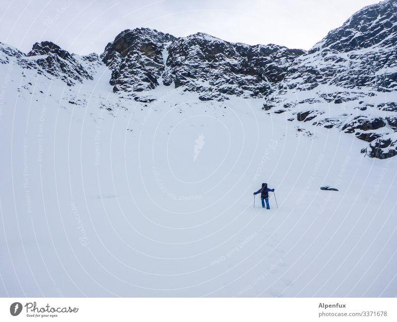 Eiszeit | Schlepper 1 Mensch Umwelt Natur Landschaft Klima Klimawandel schlechtes Wetter Frost Schnee Hügel Felsen Alpen Berge u. Gebirge Gipfel